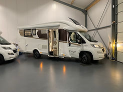 Camper met queensbed A7campers Friesland