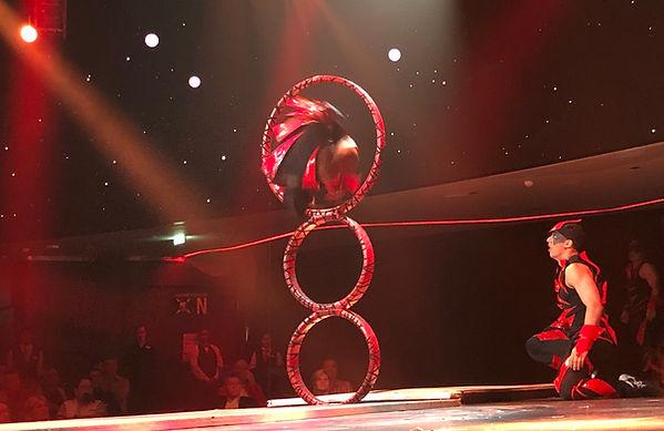 Cirque de Soleil Cosmos Acrobat.jpg