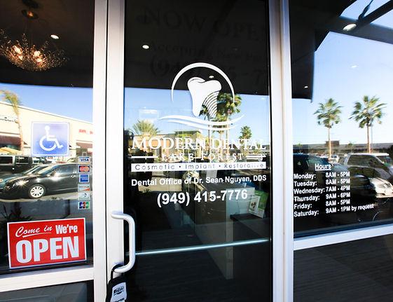 Lake Forest Modern Dental, Irvine dentist, dental implants, cosmetic dentistry, cerec crown