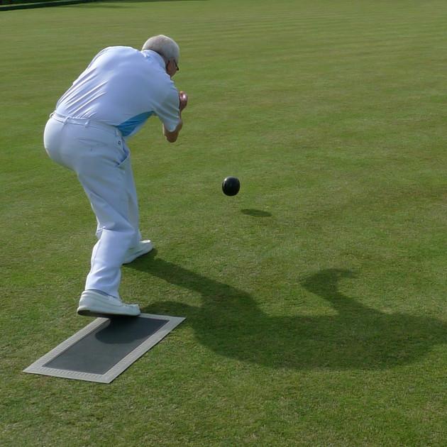 Grosvenor Bowls action