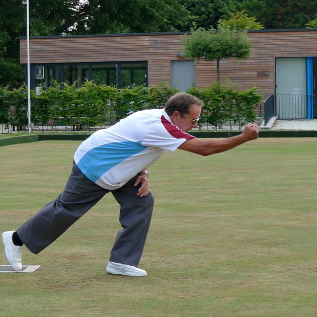 Grosvenor Bowls league action