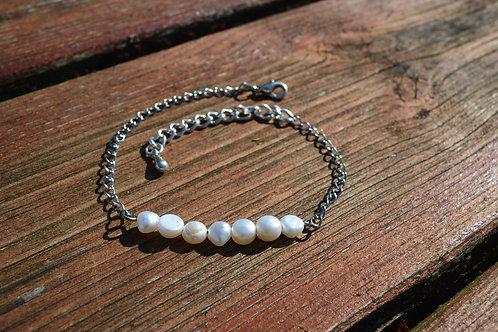 Bracelet en chaîne et perles d'eau douce
