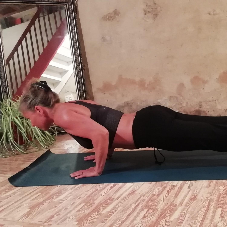 Vinyasa & Yoga Nidra 1-on-1 / Online