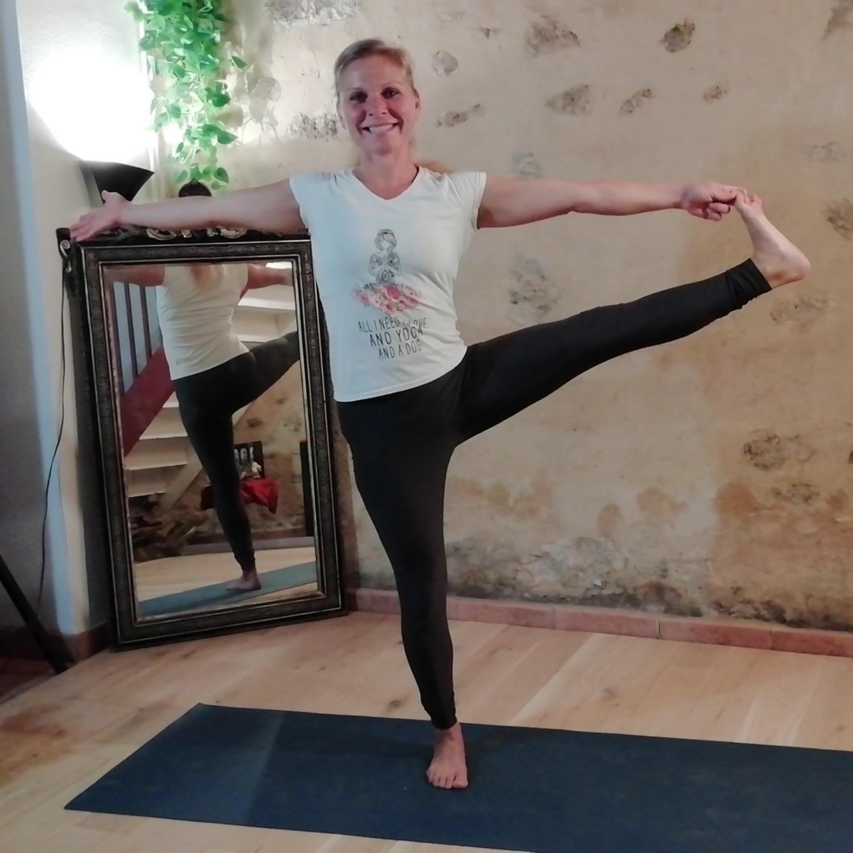 Weekly online group Vinyasa Yoga