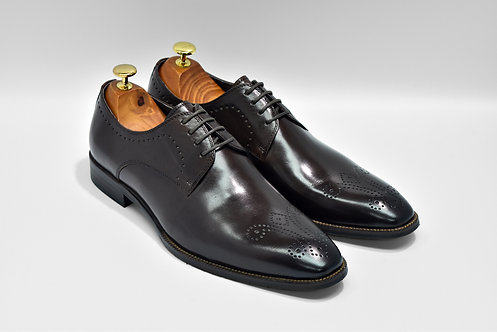 Coffee Calf Leather Plain-toe Medallion Derby Q06
