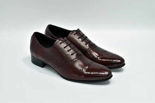 Ladies Maroon Calf Leather Plain-toe Medallion Oxford G52