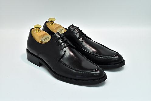Black Calf Leather Apron-toe Derby K17