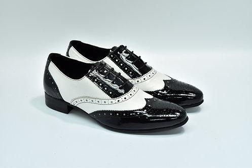 Ladies Black&White Patent Leather Brogue Oxford H51