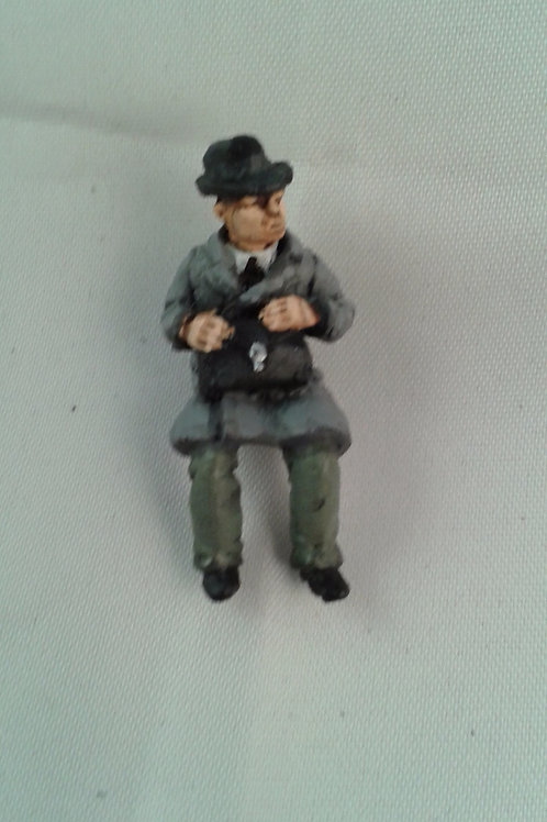 O Gauge Male Figure (Sitting)