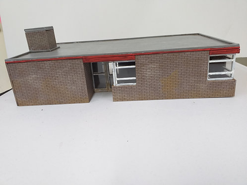 O Gauge Brick Mess Hut