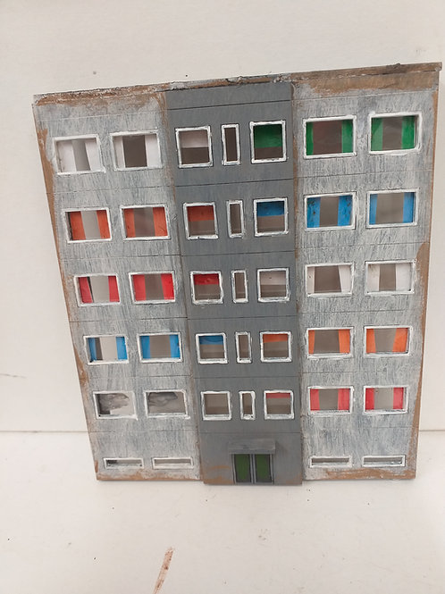 N Gauge Block of Flats (B)
