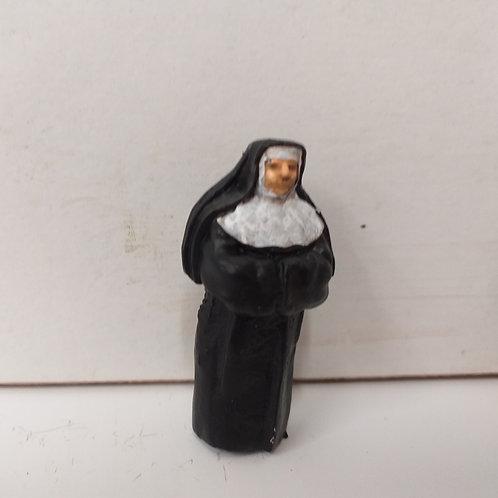 Nun (Standing)