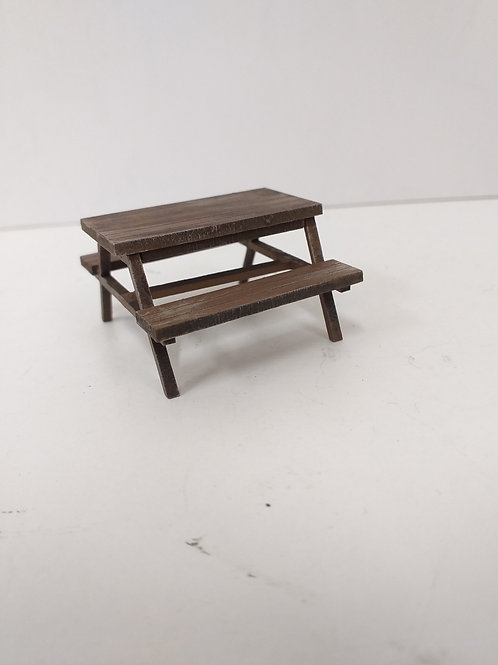 O Gauge Picnic Bench (x2)