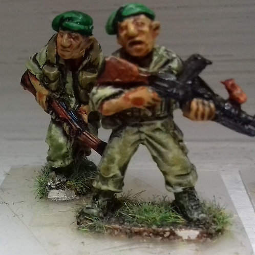Bren Gunner & No2 in Beret