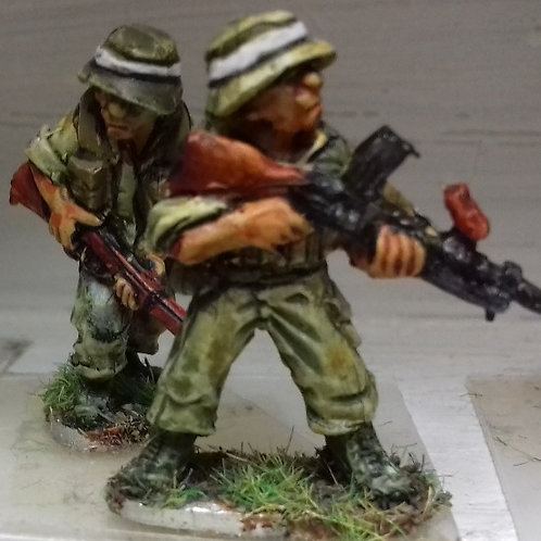Bren Gunner & No2 in Bush Hat