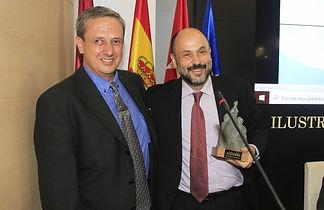 César Pinto recogiendo el Premio ALTODO 2019