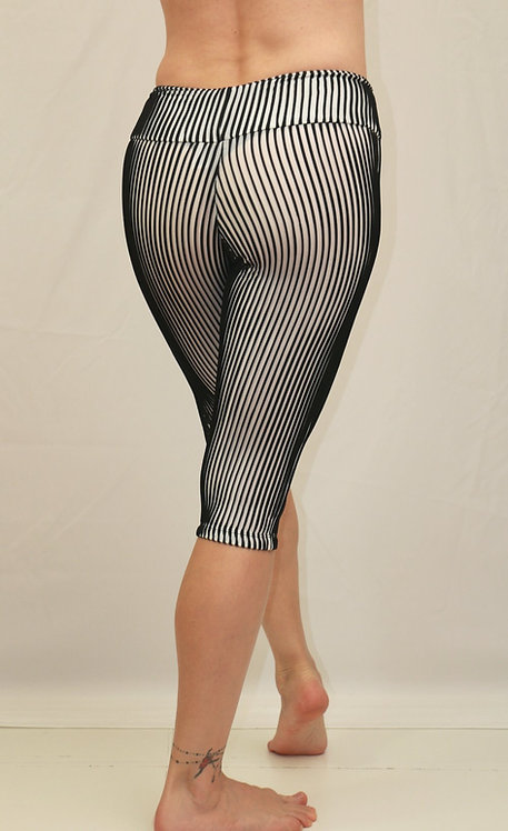 Texured 3/4 leggings/ 3D Effect / Adithiva / A 04003-1
