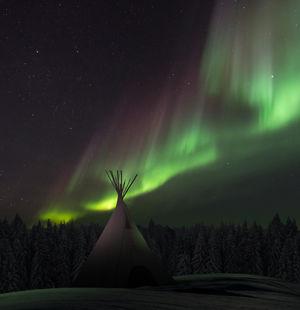 aurora-borealis-and-lavvu3.jpg