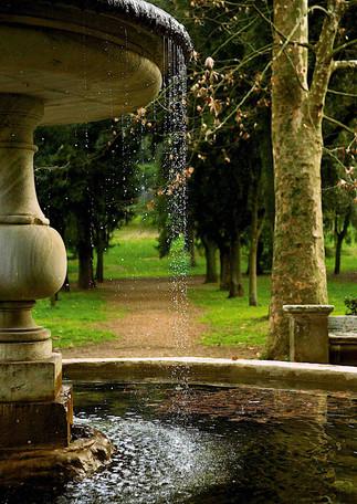 Fountain in Villa Borghese, Ro