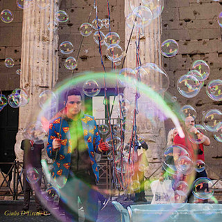 The man in the bubble, Rome