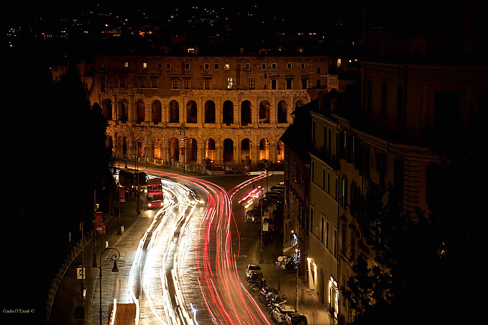 Giulio D'Ercole's photo workshops of Rome by Night will make you capture a different and magical Rome while learning the art of Photography