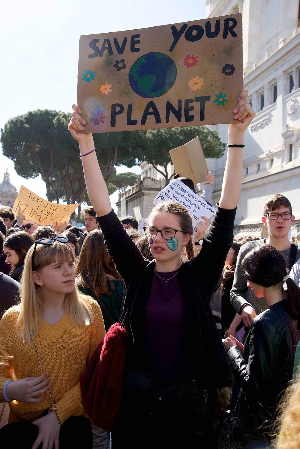 Fridays for Future Save your Planet Girls in Rome, photographed by Giulio D'Ercole, Rome Photo Fun Tours