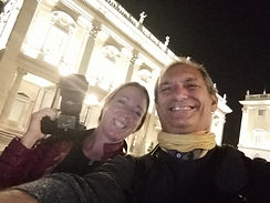 Happy selfie with a terrific American client during the Rome by Night Photo Tour Under the Stars  by Giulio D'Ercole of Rome Photo Fun Tours
