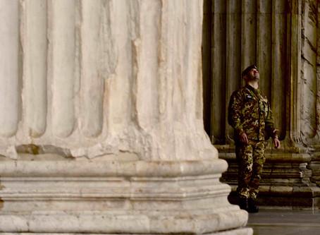 121. Admiring the Pantheon