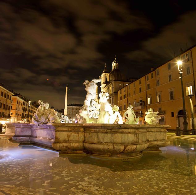 Rome Photo Fun Tours at Piazza Navona