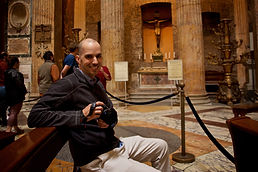 Client posing happily  inside the Pantheon during the Rome by Day Beauty and History Photo Tour, by Giulio D'Ercole of Rome Photo Fun Tours