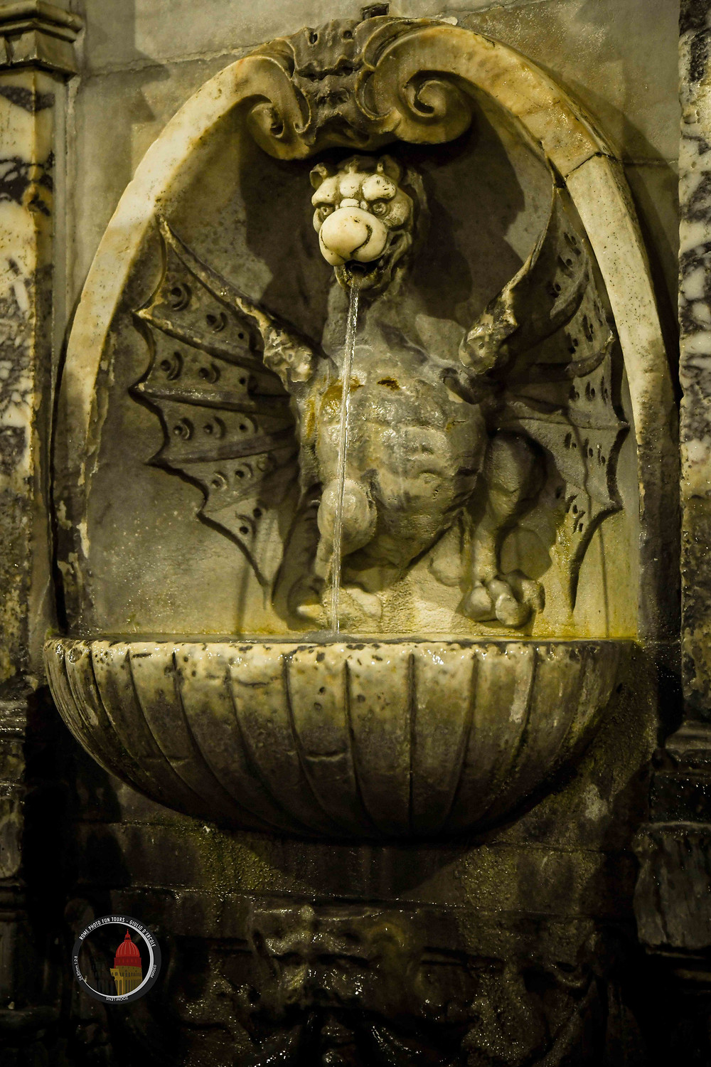 Rome will surprise you with its Angels and Demons art and details. Come to photograph them with Giulio D'Ercole's photo tours and workshops
