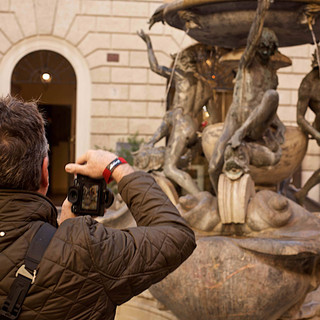 Photographing the Fountain of Turtles