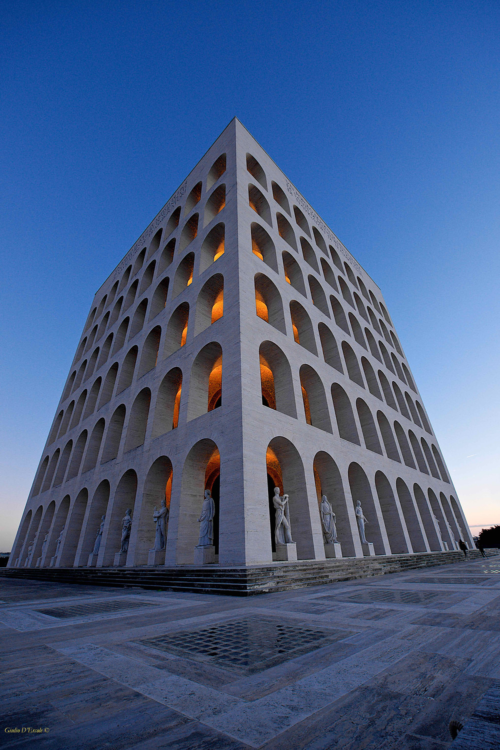 A masterpiece of 1920s Italian Architecture: The Square Colosseum! Capture Rome iconic locations with Giulio D'Ercole Photo workshops.