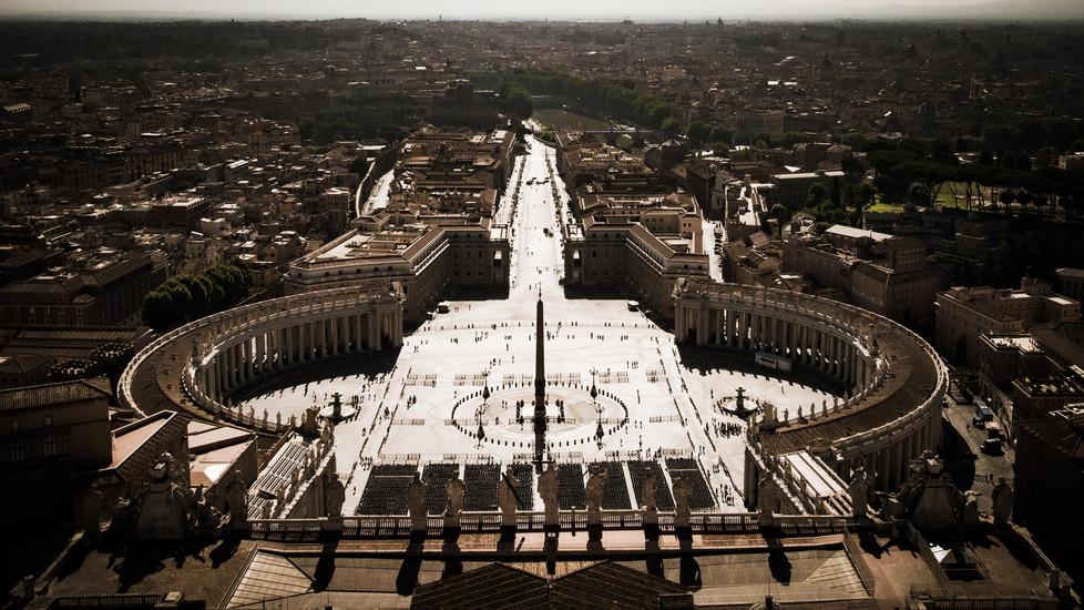 Bernini's St. Peter's Square, a Roman Landscape