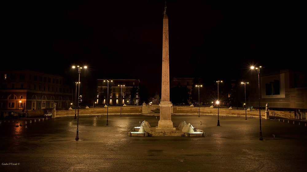 Behind Porta Flaminia on Aurelian Walls, is one of the biggest squares of Rome: Piazza del Popolo. Learn night Photography with Giulio D'Ercole's workshops