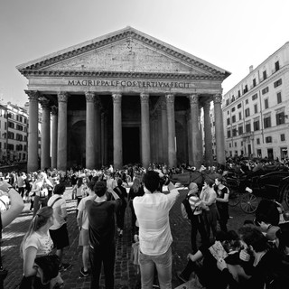 Photographing the Pantheon.