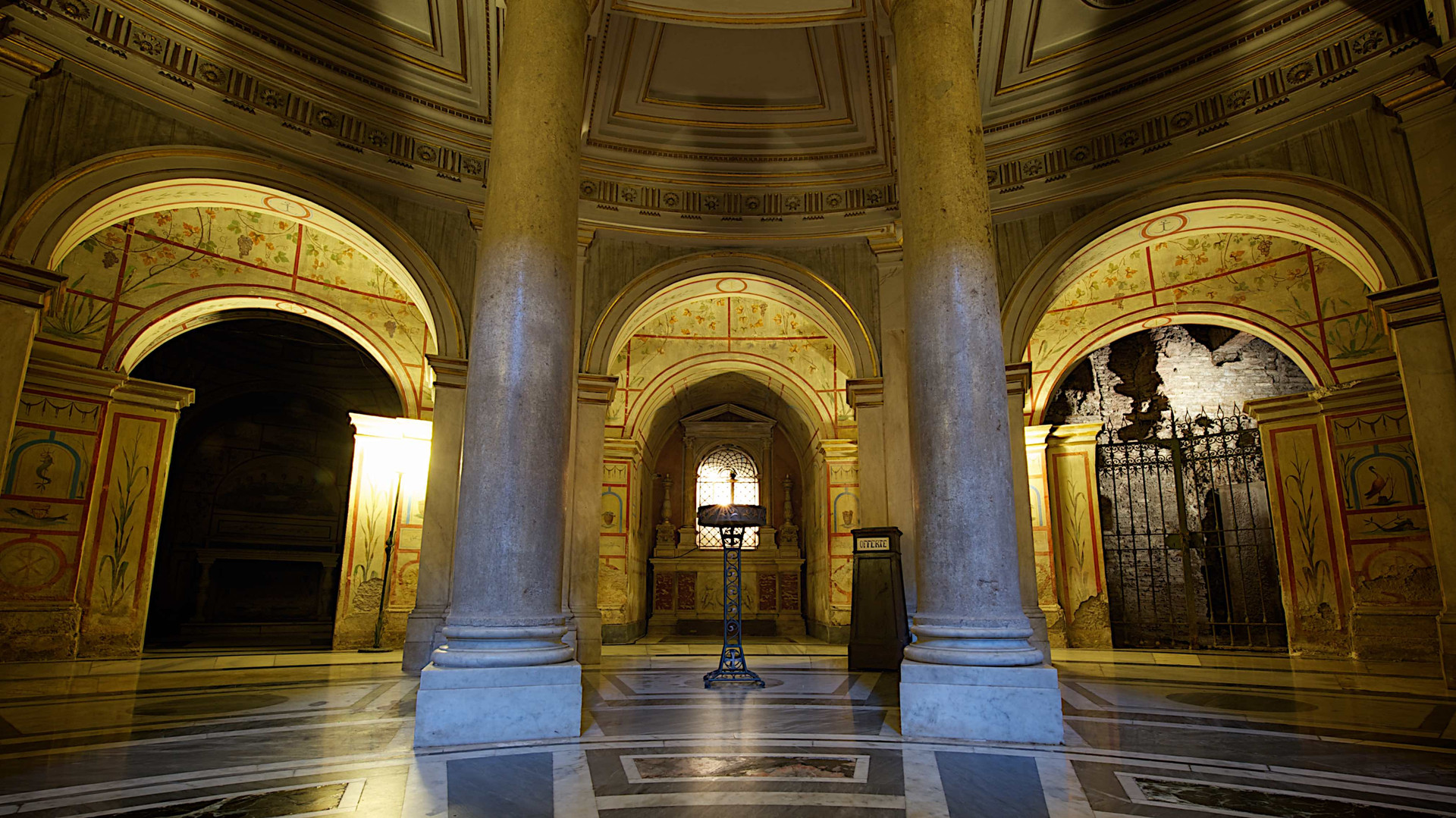 The ancient crypt, Rome Photo Fun Tours
