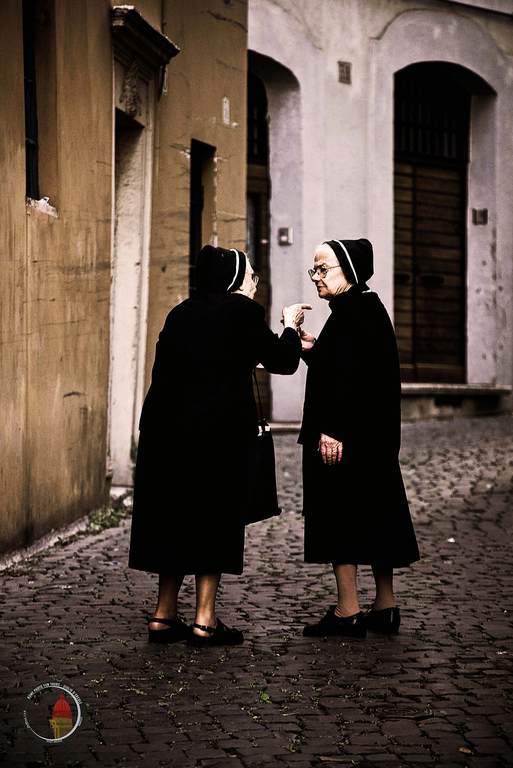 Capturing life as it happens is the core of street-photography art. Learn it with Giulio D'Ercole's workshops in Rome.