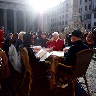 Breakfast at Pantheon