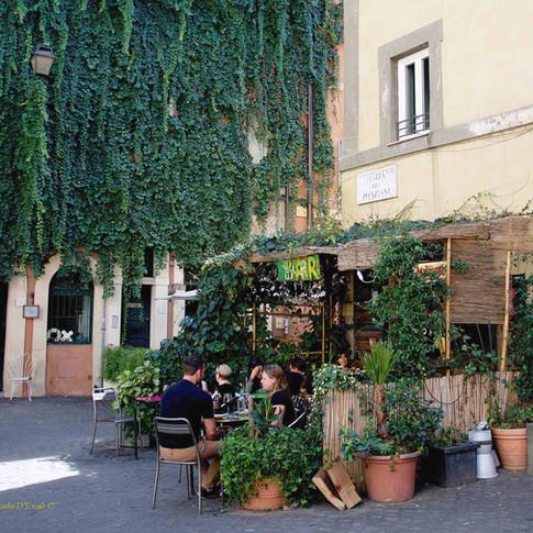 Relaxing time in Trastevere