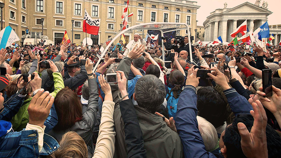 Pope Francis and the crowd, Rome