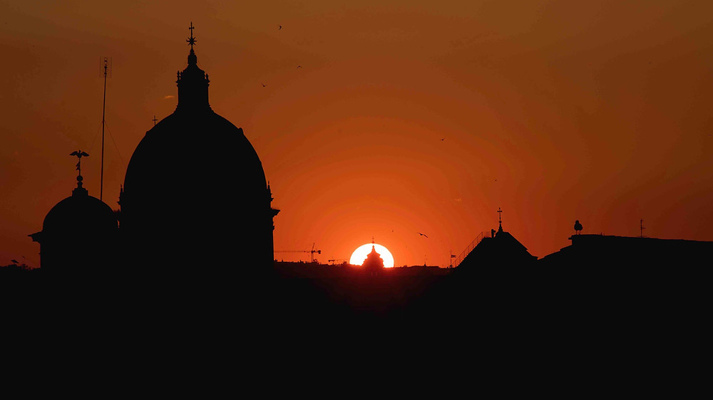 Rome Skyline at Sunset from Campidoglio. Rome by Night Photo Tour under the Stars. Photo by Giulio D'Ercole, Rome Photo Fun Tours