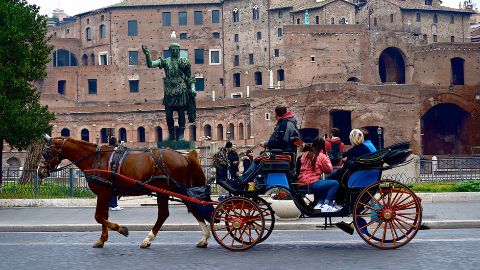 Rome by day, old style tourism