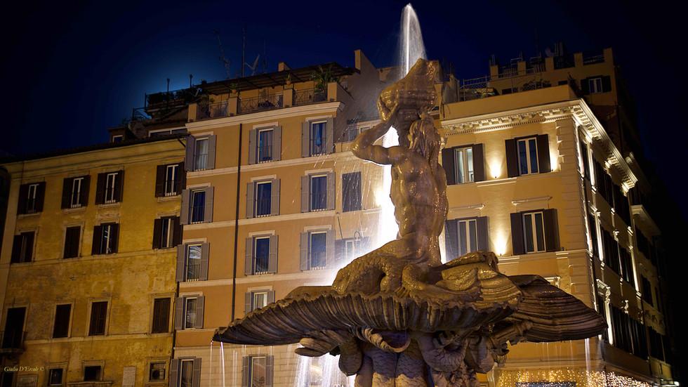 Bernini's Fountain at night