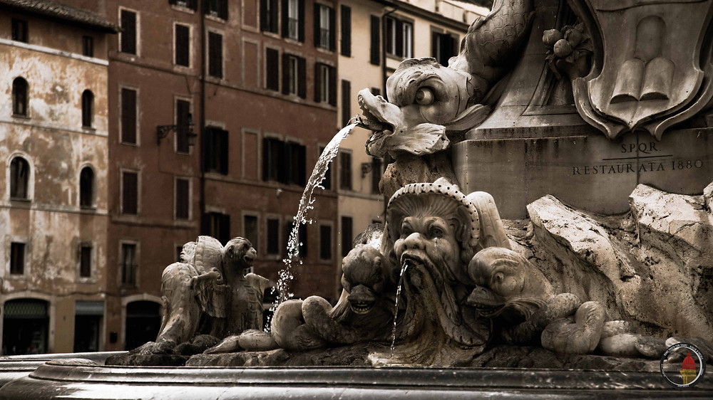Fountain in Piazza della Rotonda, Pantheon, Rome by day Street Photography Tour and workshop. Photo by Giulio D'Ercole. Rome Photo Fun Tours