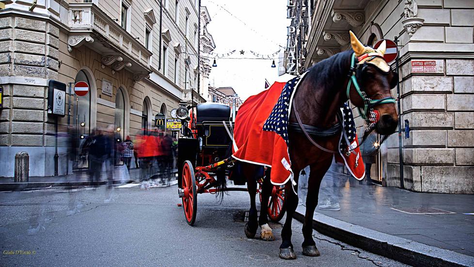 Time lapse & tradition in via del Corso