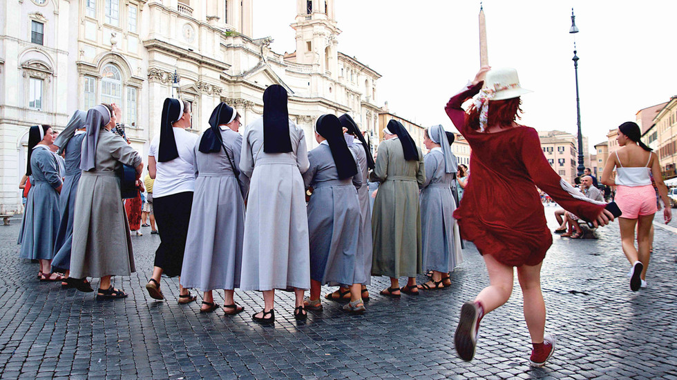 A Red Breeze, Rome Photo Fun Tours