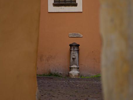30. Framing a fountain