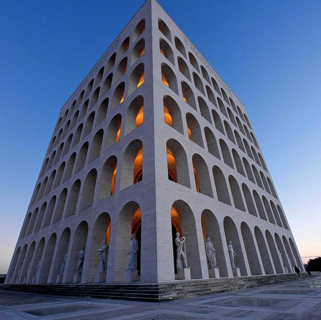 Photo tour at Palazzo della Civilta' EUR