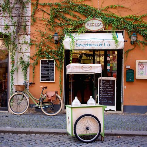 Photographing Borgo Pio in Rome